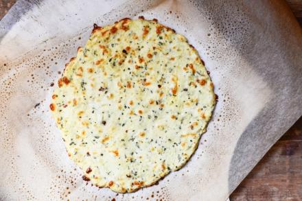 Tasty-Kitchen-Blog-Cauliflower-Crust-Pizza-10